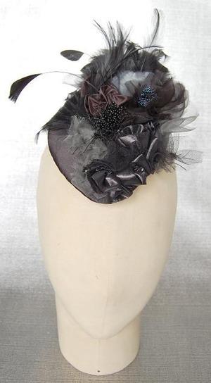 芸能人がナースのお仕事で着用した衣装帽子