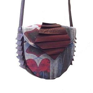 芸能人がナースのお仕事で着用した衣装バッグ