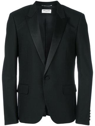 芸能人がザ!世界仰天ニュースで着用した衣装カットソー、ジャケット