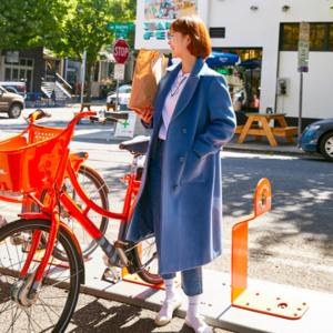 芸能人が京都浪漫で着用した衣装ダウンジャケット/コート