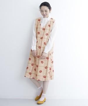 芸能人がanoneで着用した衣装ワンピース