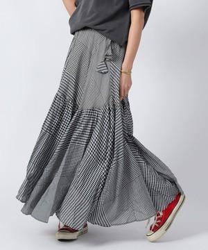 芸能人がホリデイラブで着用した衣装スカート