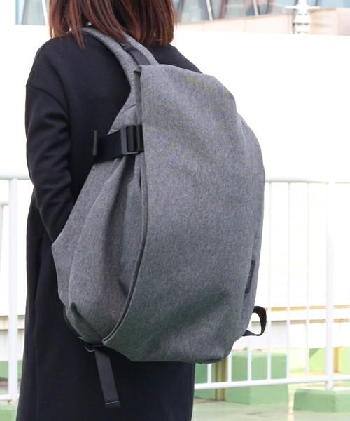 芸能人がアンナチュラルで着用した衣装バッグ