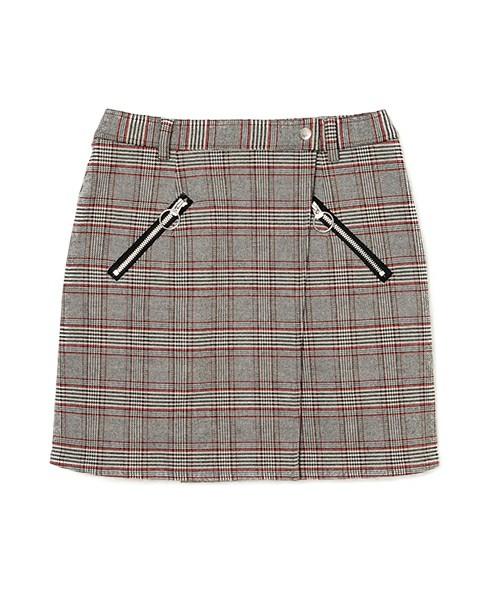 芸能人が誰だって波瀾爆笑で着用した衣装カットソー、スカート
