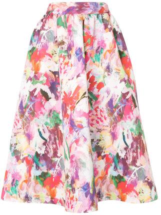 芸能人が有吉反省会で着用した衣装カットソー、スカート