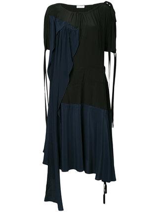 芸能人がアナザースカイで着用した衣装シューズ、ワンピース