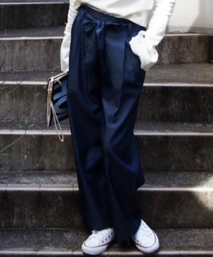 芸能人が平成物語で着用した衣装デニムパンツ