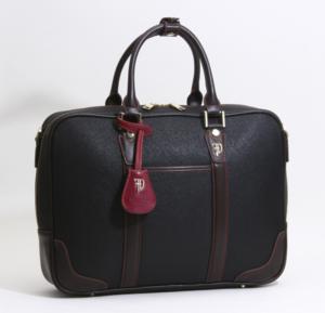 芸能人が平成物語で着用した衣装ビジネスバッグ