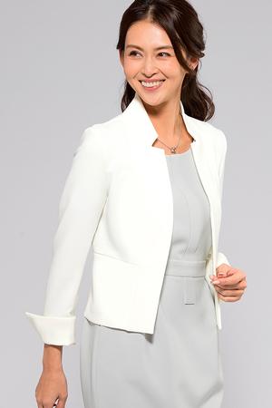 芸能人桜田しず子・リゾート会社社長(第2話ゲスト)がコンフィデンスマンJPで着用した衣装ジャケット