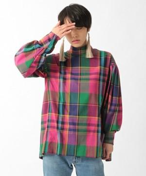 芸能人がオールスター感謝祭で着用した衣装ブラウス