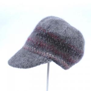 芸能人がイノセントデイズで着用した衣装帽子