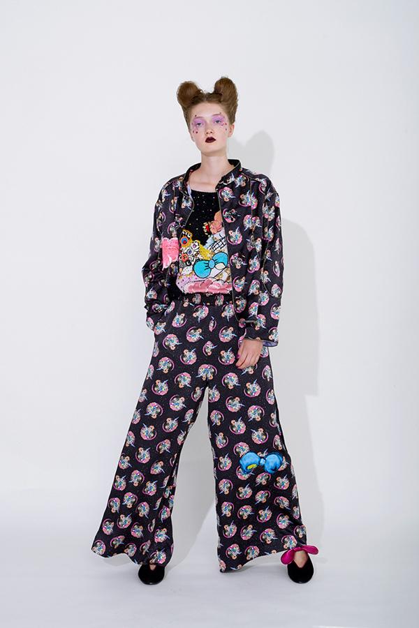 芸能人が有田哲平の夢なら醒めないでで着用した衣装アウター