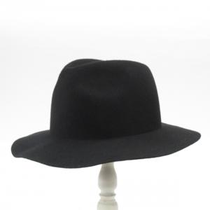 芸能人が探偵物語で着用した衣装ハット