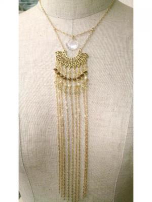 芸能人が探偵物語で着用した衣装ネックレス