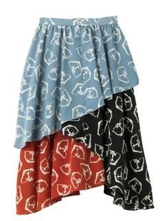 芸能人が有田哲平の夢なら醒めないでで着用した衣装スカート