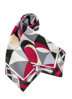 芸能人ダー子がコンフィデンスマンJPで着用した衣装スカーフ