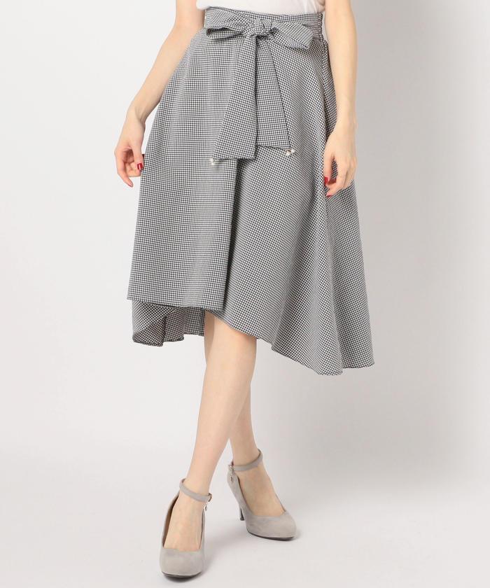 芸能人がZIP!で着用した衣装スカート
