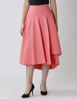 芸能人がSNS PRで着用した衣装スカート
