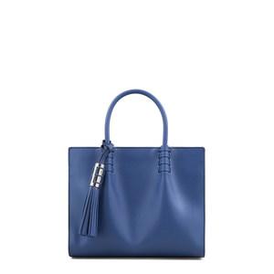芸能人桜田しず子・リゾート会社社長(第2話ゲスト)がコンフィデンスマンJPで着用した衣装バッグ
