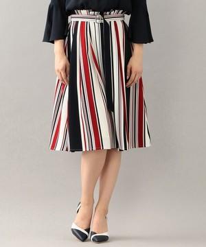 芸能人桜田しず子・リゾート会社社長(第2話ゲスト)がコンフィデンスマンJPで着用した衣装スカート