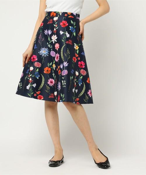 ANAYIのボタニカルプリントフレアスカート