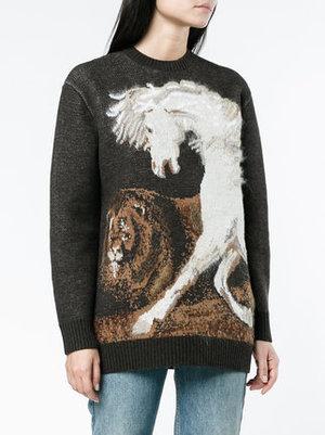 芸能人ダー子がコンフィデンスマンJPで着用した衣装セーター