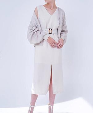 芸能人青山瑞希・イラストレーターがラブリランで着用した衣装ワンピース