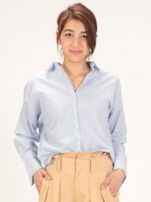 芸能人がInstagramで着用した衣装Tシャツ/カットソー