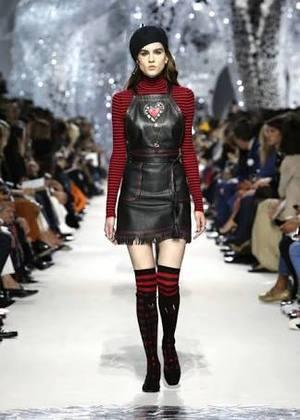 芸能人真矢愛莉・英徳学園C5が花のち晴れ~花男 Next Season~で着用した衣装ワンピース、ニット、靴下