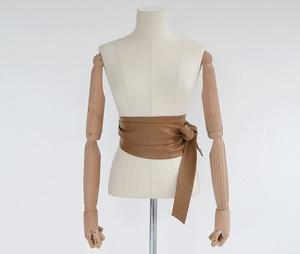 芸能人青山瑞希・イラストレーターがラブリランで着用した衣装ベルト