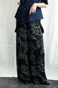 芸能人が教えてもらう前と後で着用した衣装カットソー、パンツ