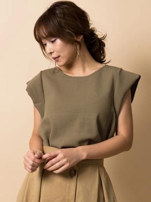 芸能人がoha!4で着用した衣装ニット