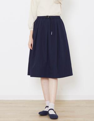 芸能人入間未蘭・大学院生がモンテ・クリスト伯で着用した衣装スカート
