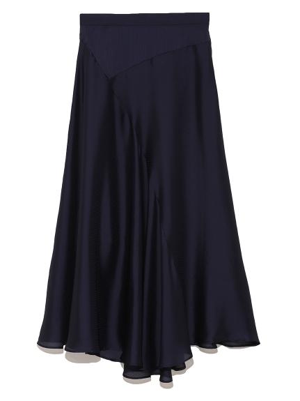 芸能人がニンゲン観察バラエティ モニタリングで着用した衣装ブラウス、スカート