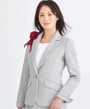 芸能人がヘッドハンターで着用した衣装ジャケット