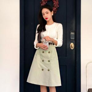 芸能人がソノサキで着用した衣装スカート