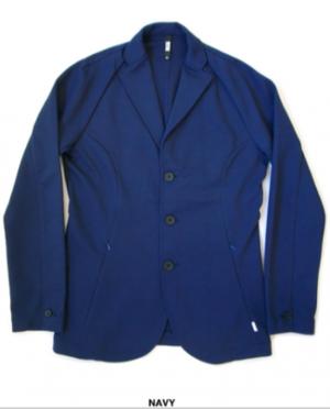 芸能人がBIZトークで着用した衣装テーラードジャケット