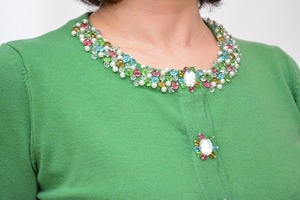 芸能人がCM キユーピー  彩りプラス+  ふれふれ、サラダ。編で着用した衣装緑色のカーディガン
