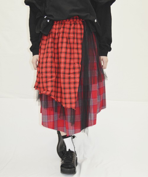 芸能人がミュージックステーションで着用した衣装スカート