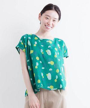 芸能人宇野友美・さやかの親友がラブリランで着用した衣装トップス