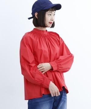 芸能人池田こはる・カレーショップ店員があなたには帰る家があるで着用した衣装ブラウス