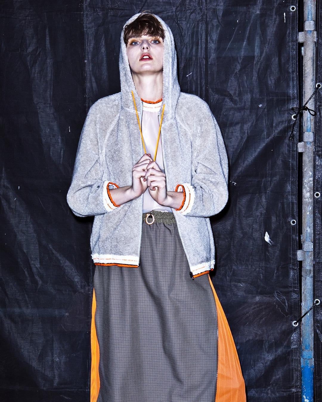 芸能人が王様のブランチで着用した衣装スカート