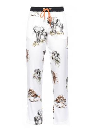 芸能人ダー子がコンフィデンスマンJPで着用した衣装パンツ
