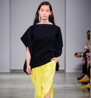 芸能人小笠原杏子・モデルがラブリランで着用した衣装トップス