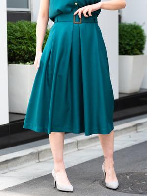 芸能人がニュースZEROで着用した衣装スカート