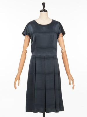 芸能人木下香織・治験コーディネーターがブラックペアンで着用した衣装ワンピース
