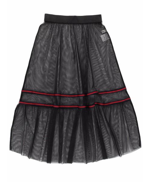芸能人がCDTV'18上半期SP エンタメまとめ総決算で着用した衣装ベルト、ブラウス、スカート
