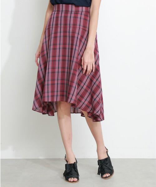 芸能人がめざましテレビで着用した衣装カットソー、スカート