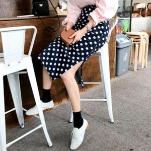 芸能人がand GIRL 8月号で着用した衣装スカート