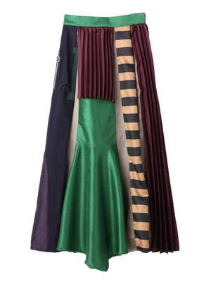 芸能人がゼロ 一獲千金ゲームで着用した衣装スカート